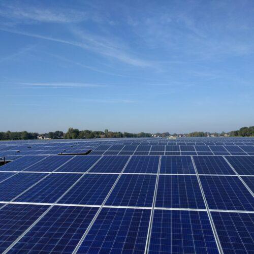 Solarfields sluit zonnepark Marum aan op het net