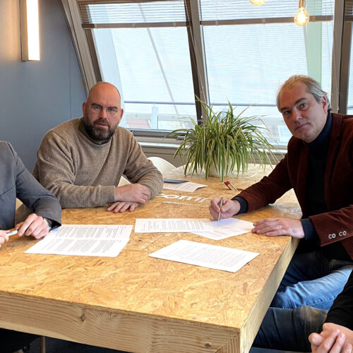 Communicatiebureau Compion neemt BrandDogs over